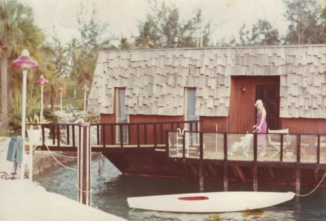 Houseboat in Hurricane Hole Marina
