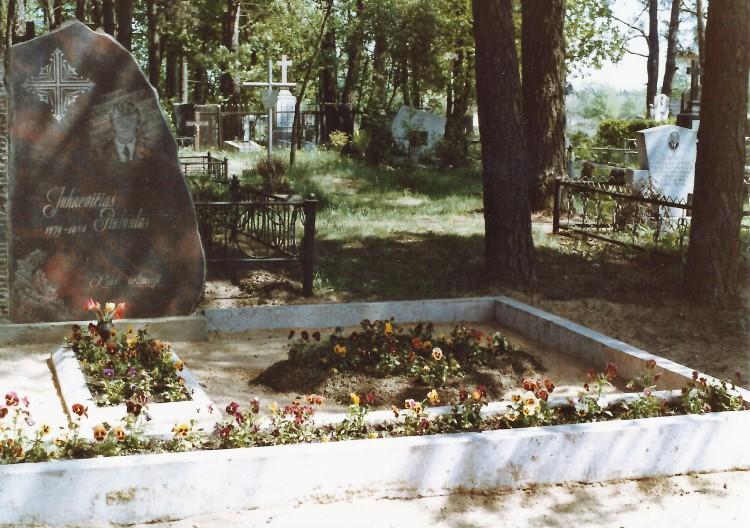 Gintautas' Grave