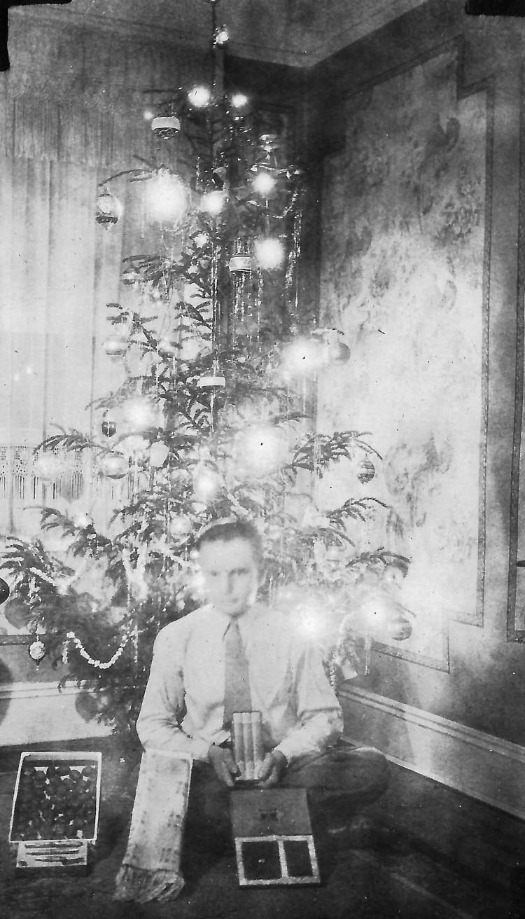 Edward and Presents Christmas 1931